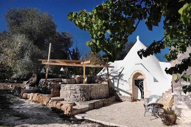 Trullo Sambuco perfect to discover the richness offered by both the countryside and local gastronomy of Ceglie Messapica, Apulia's food capital.