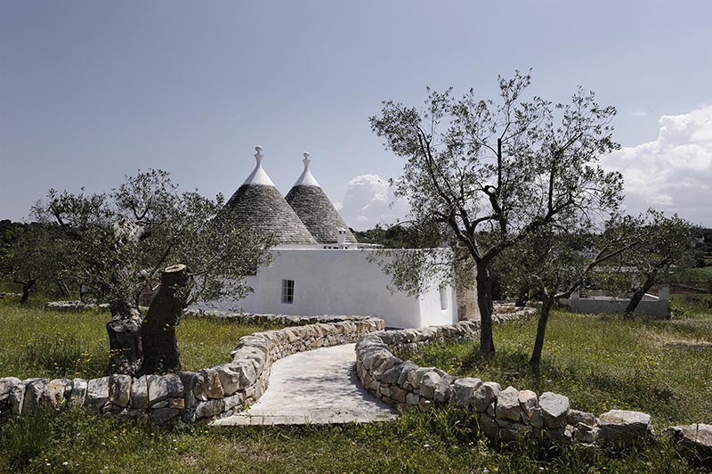 Trullo Country Chic a holiday home for rent to spend a charming country holiday in Puglia